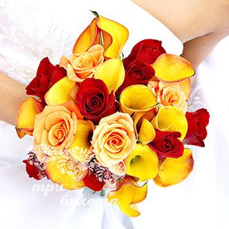 Букет из оранжевых калл и роз
