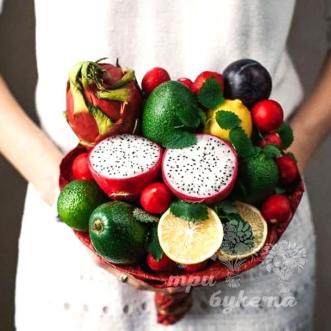 buket-iz-avokado-i-limonov